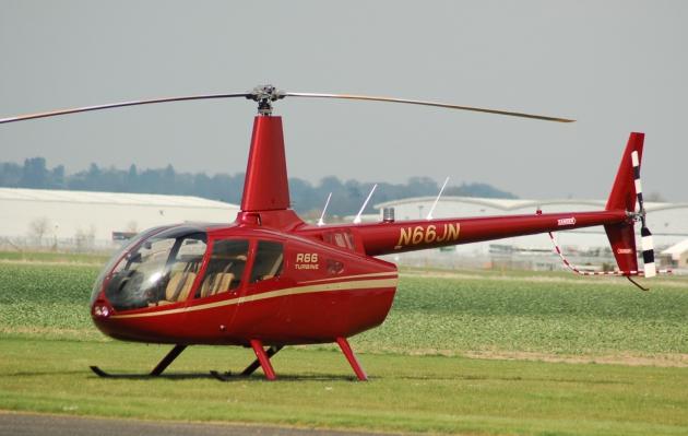 Вертолет Робинсон 66.