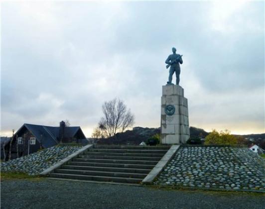 Памятник советским воинам-освободителям в г. Киркенес. Норвегия Изображение: glav.su