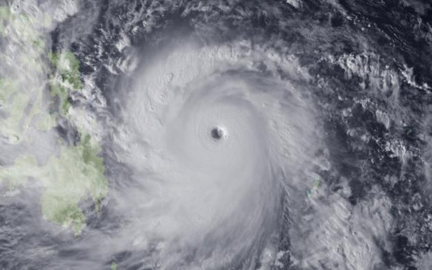 По филиппинскому острову Лусону ударил тайфун: есть жертвы