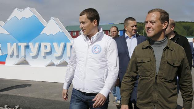 Медведев не исключает корректировку налогового манёвра