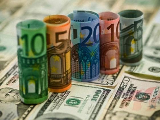 Биржевой курс доллара превысил 70 рублей, евро — 80