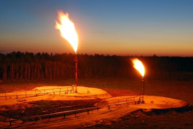 Нефть марки Brent продолжает торговаться на отметке ниже $44 за баррель