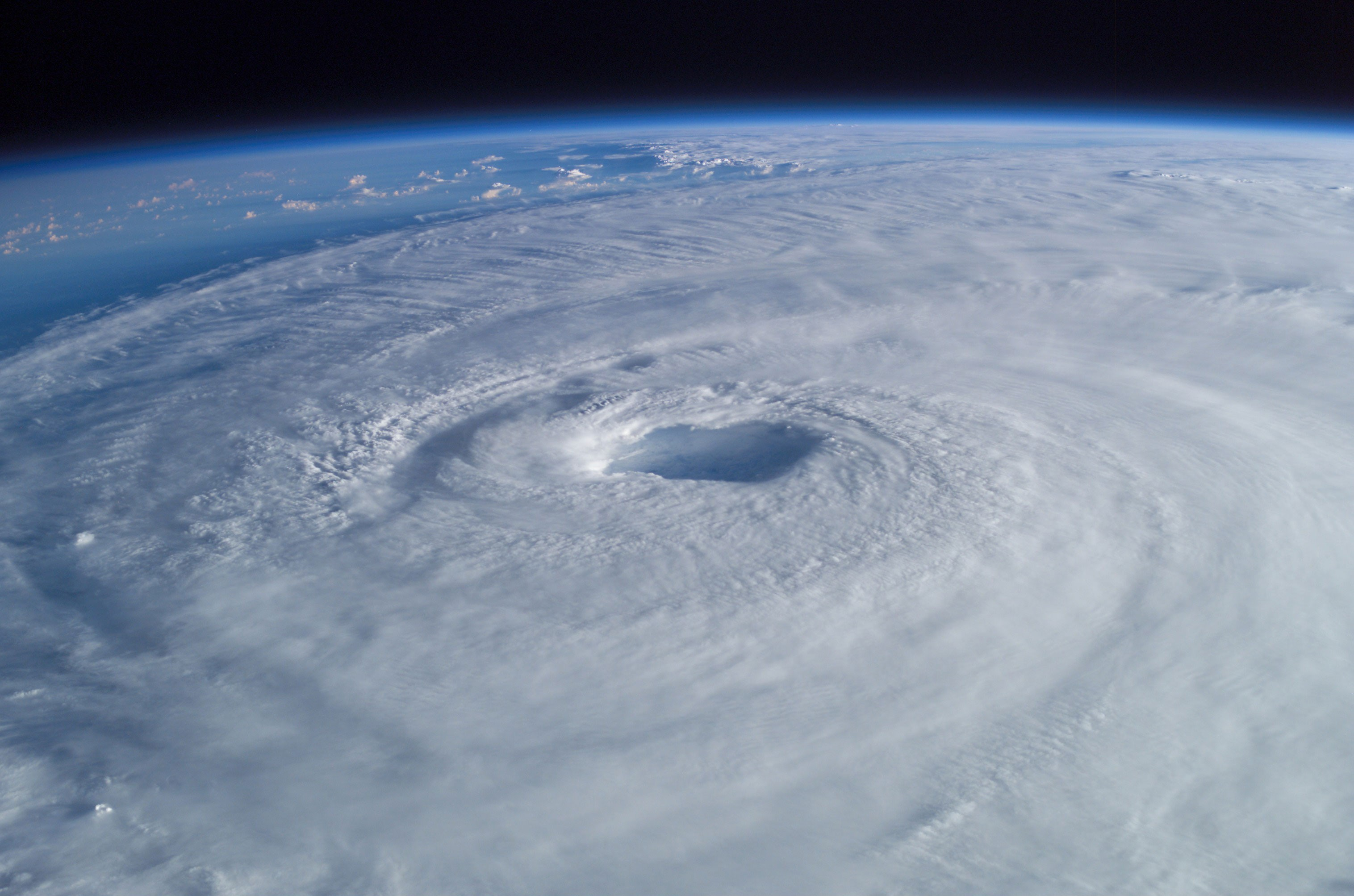 a definition of hurricane Whenever a tropical cyclone (a tropical depression, tropical storm, or hurricane) or a subtropical storm has formed in the atlantic or eastern north pacific, the noaa national hurricane center (nhc) issues tropical cyclone advisory products at least every 6 hours at 5 am, 11 am, 5 pm, and 11 pm edt.