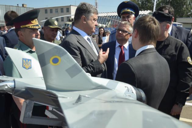 Порошенко ознакомился с последними достижениями ВПК Украины