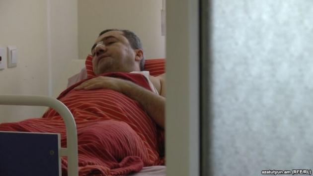 Избитый Арсен Аветисян в больнице, Ереван, 17 август 2015 г․ © Радио «Азатутюн»