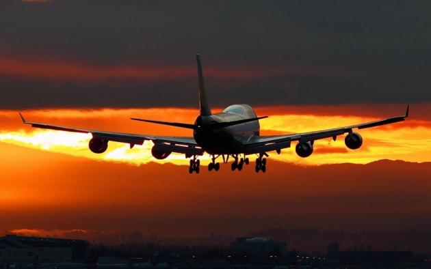 Пассажирский самолет.