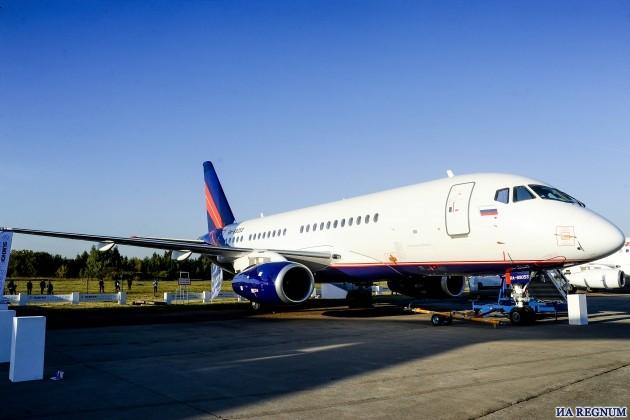 На МАКС-2015 подписаны соглашения об аренде самолетов SSJ 100