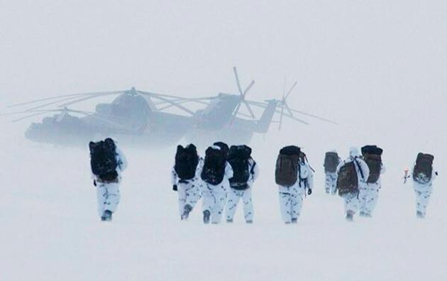 Военные в Арктике.