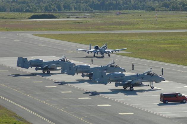 Эстония— за самостоятельный статус военного аэродрома Эмари в НАТО