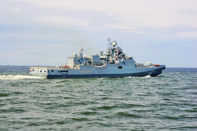 Новейший корабль ВМФ России «Адмирал Григорович» в Балтийском море.
