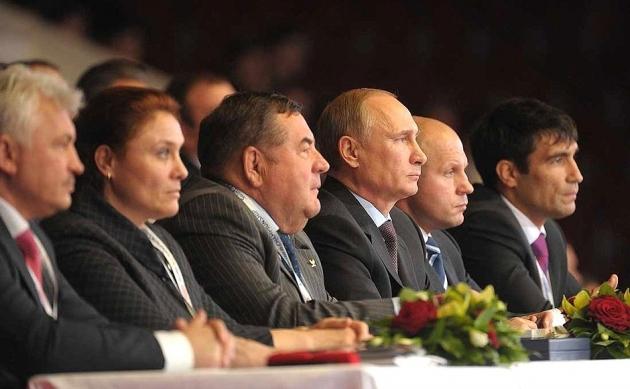 Владимир Путин и Василий Шестаков.