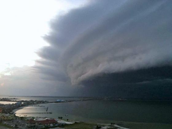 Ураган Эрик.