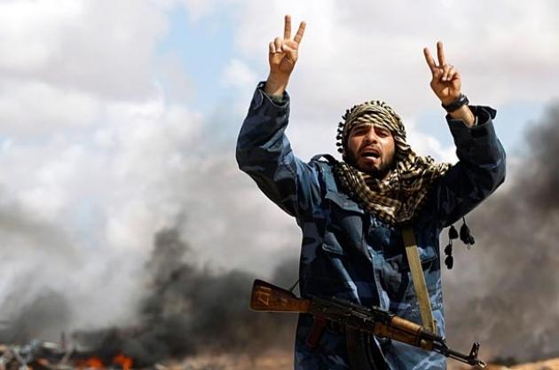 Беженцы и нефть вынуждают ЕС применить силу в Ливии
