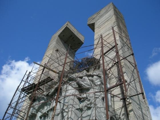 Мемориал на месте фашистского концлагеря «Дулаг-100»