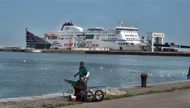 Лодочный бунт во Франции: моряки заблокировали вход в порт Кале
