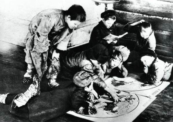 «Мечтатели». Село Макаровка яранского уезда Вятской губернии, 1920 год.