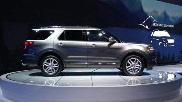 Ford Explorer Platinum.