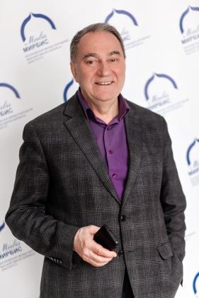 Профессор Института МИРБИС  Владимир Уколов. Фото: www.mirbis.ru