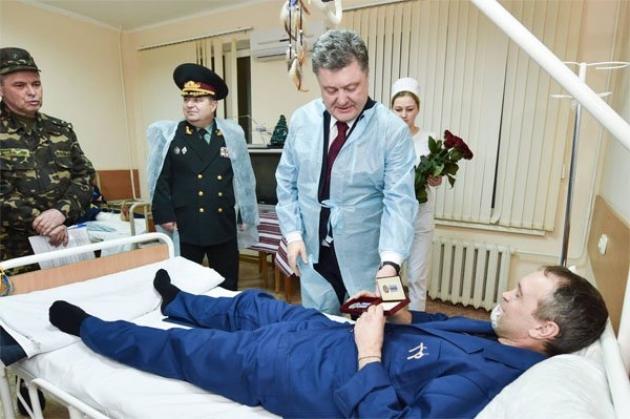 Порошенко объявил, что война переходит из Донбасса в самый центр Киева