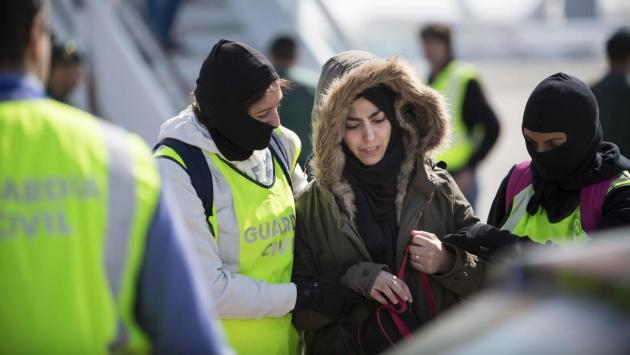 Британка с четырьмя детьми, пытавшаяся примкнуть к ИГ, задержана в Турции