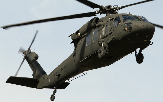 Военный вертолёт Black Hawk.