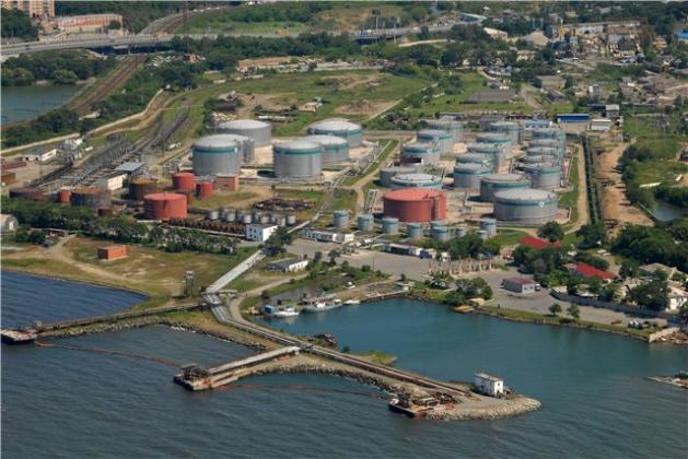 Порт Владивостока.