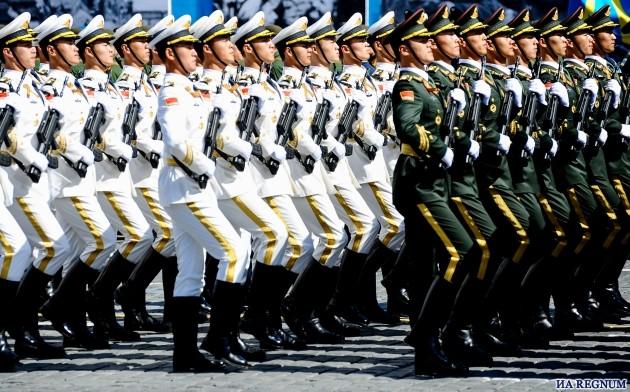 Военный парад в Пекине закончился голубями и воздушными шарами