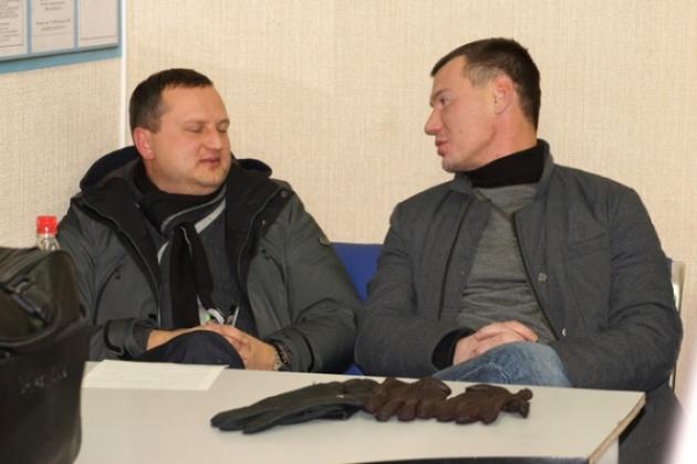 Калининградские депутаты-авиадебоширы в аэропорту Новосибирска. Фото: sibfout.mvd.ru.