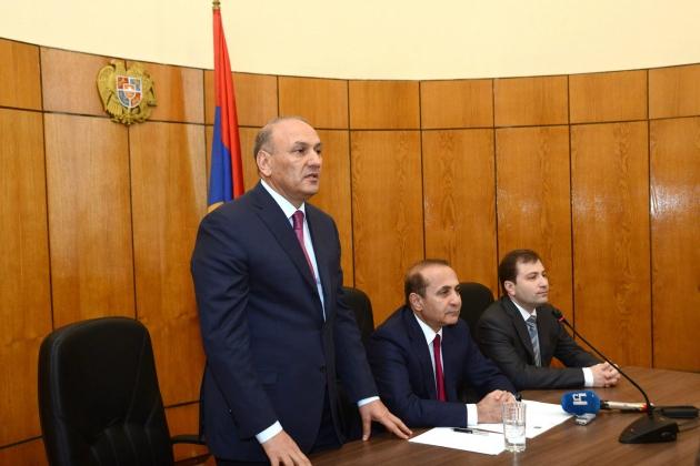 «Высокий пост» или отставка грозят премьер-министру Армении