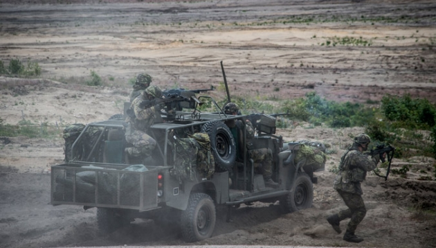 Автомобиль НАТО.