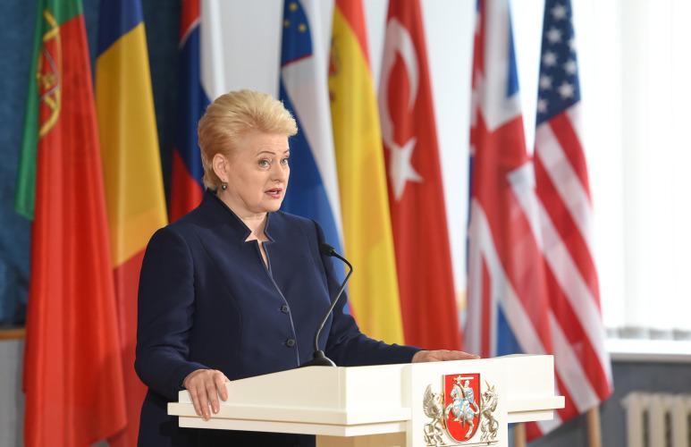 Литва, которая так долго поддерживала США, получила от них же санкции