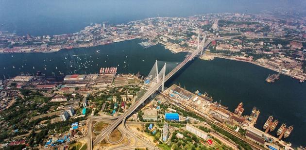 Морской порт Владивосток.