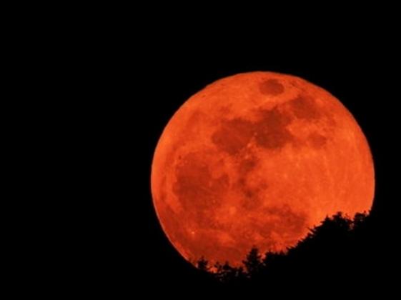 Кровавая луна.