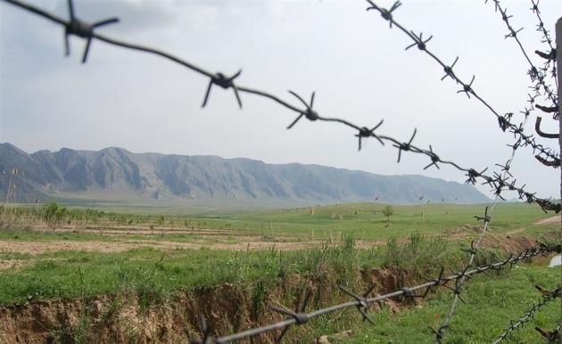 Киргизия усилила охрану границы.