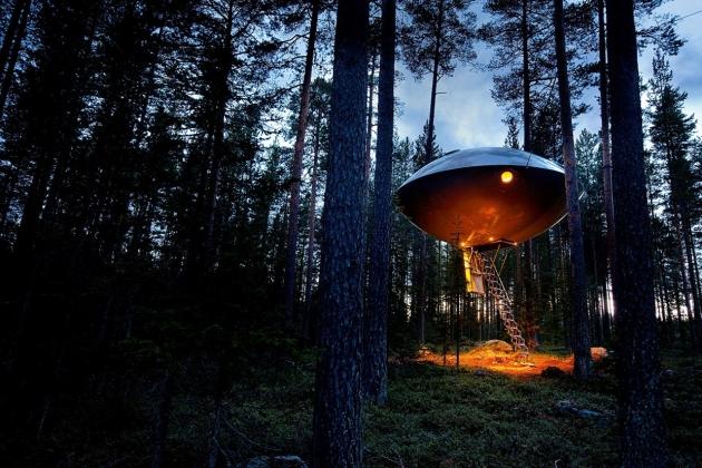 Инопланетный отель в Швеции.