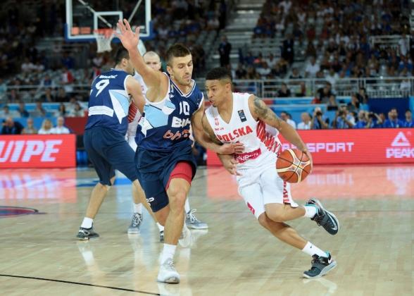 Российские баскетболисты стартовали на чемпионате Европы с поражений.