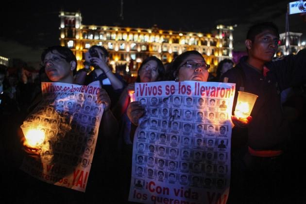 Акция памяти по погибшим ученикам.