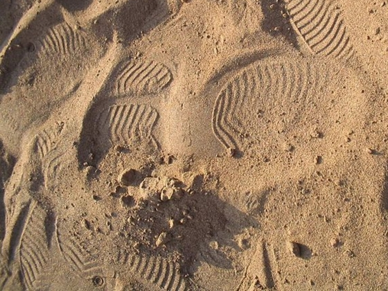 Трех подростков насмерть засыпало песком в Астраханской области