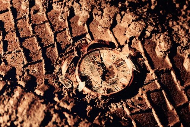 Раздавленные часы.