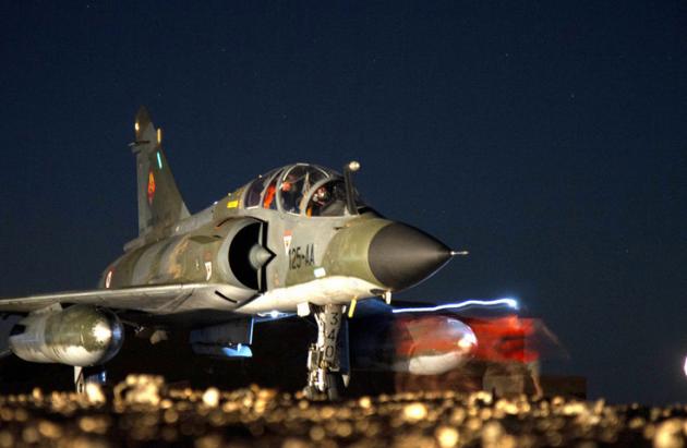 Франция проведет разведывательные полеты на границе Сирии