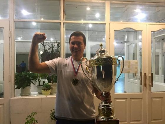 Главный тренер ГК «Ростов-Дон» Ян Лесли с Суперкубком России