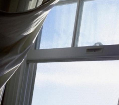 Жительница Москвы выпрыгнула из окна, спасаясь от гостей