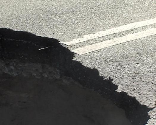 Причиной провала автодороги в Ульяновске стал канализационный коллектор