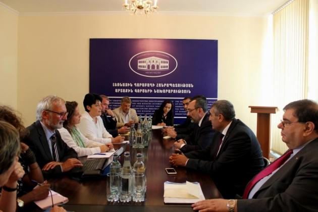 Глава МИД НКР рассказал бельгийским депутатам о карабахском урегулировании