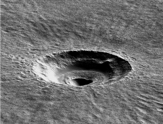 На Марсе нашли ледник размером с Калифорнию и Техас