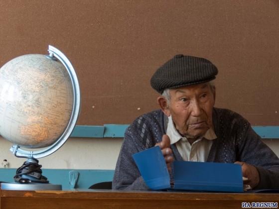 Никифор Алексеев— бывший директор школы, кумандинец, житель села Шатобол (Алтайский край)