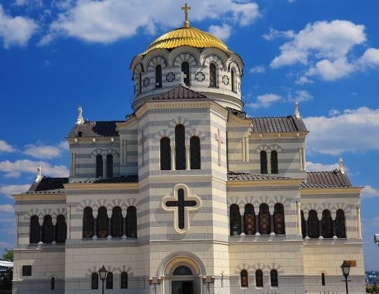 Почему России нужен свой православный Ватикан