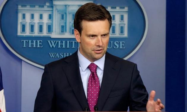 Джош Эрнст— пресс-секретарь Белого дома.