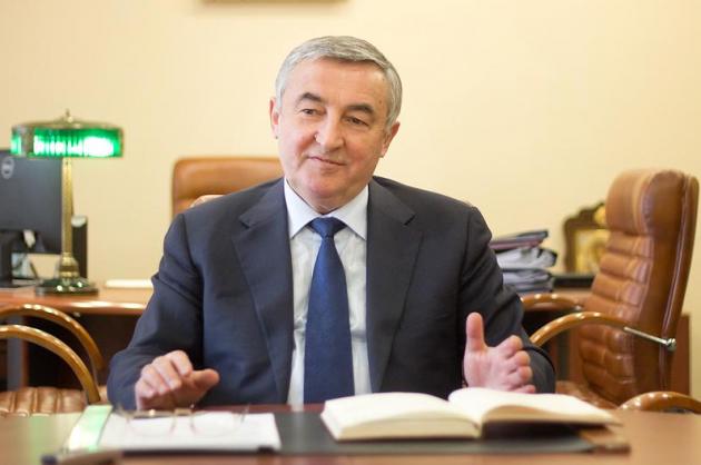 Мэр Великого Новгорода меняет руководство муниципальных учреждений