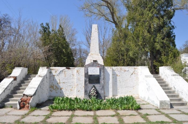 Братскую могилу на «острове Людникова» в Волгограде отреставрируют